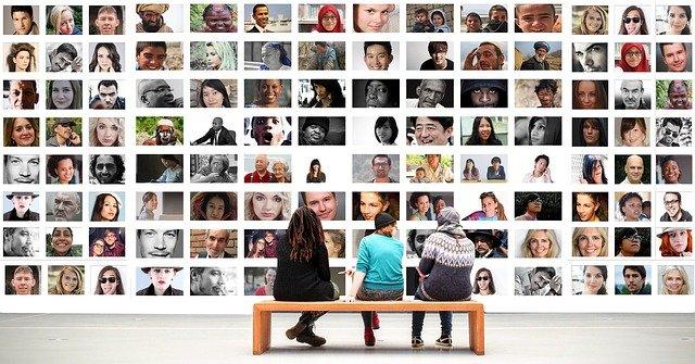 connecter les gens via les medias sociaux